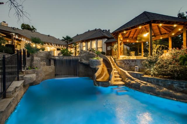 Million Monday Beautiful Flower Mound Home With
