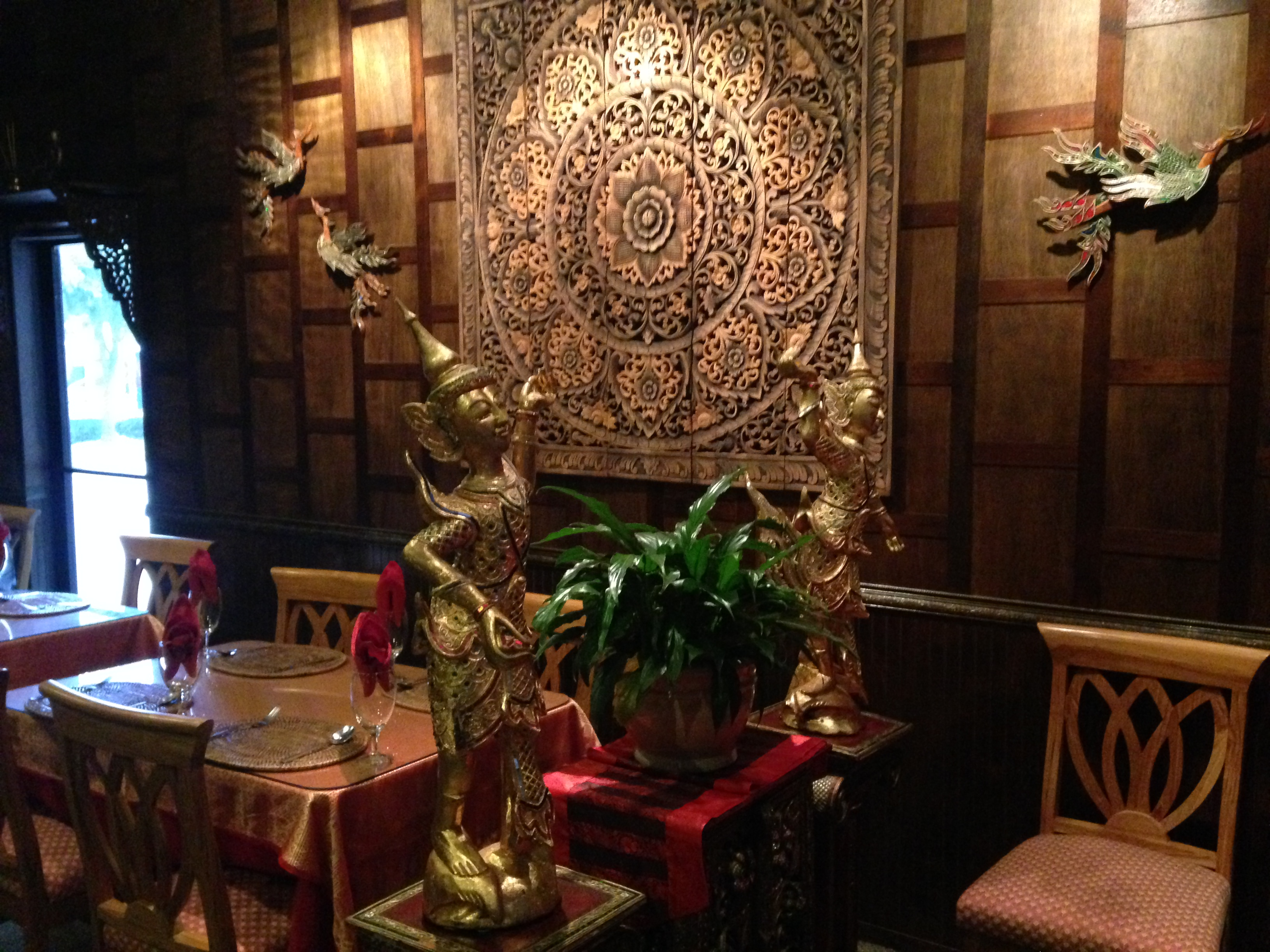 Foodie friday thai ruby s authentic thai food and atmosphere i am jay marks - Restaurant decor supplies ...