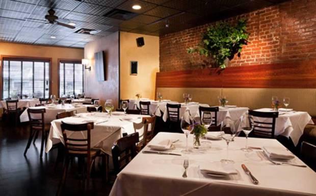 Elegant-American-Upscale-With-Nature-Restaurant-Furniture-Design-Saul