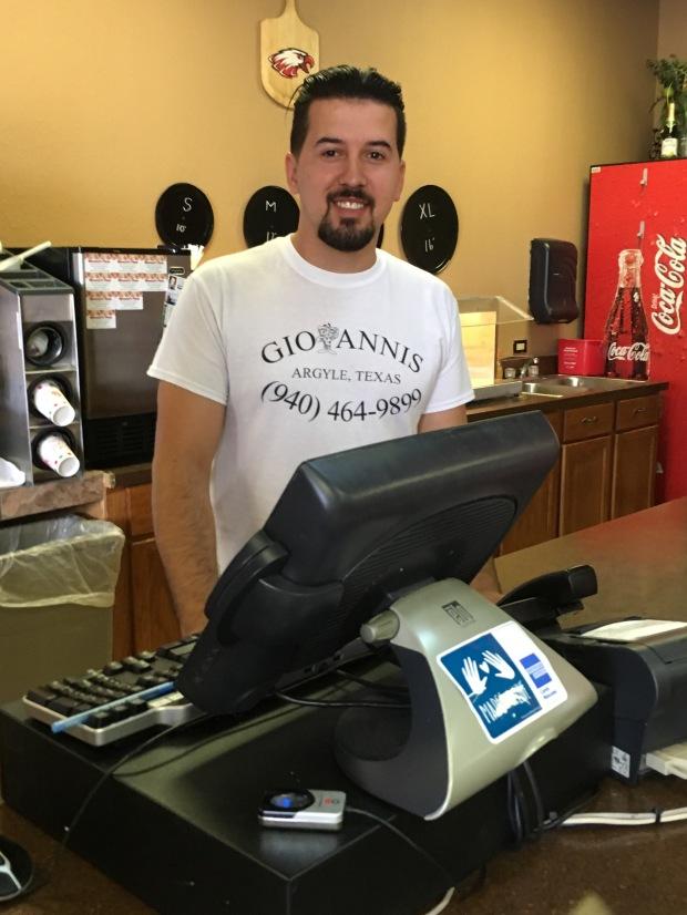 GiovannisArgyle-FoodieFriday-JayMarks-Argyle-TX-Restaurant-ItalianFood-PIzza-Pasta9252