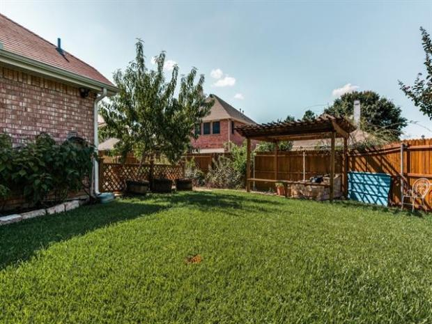 1336EdmontonDr-Lewisville-TX-HuffinesMiddleSchool-LewisvilleHighSchool-RealEstate-HomesforSale-JayMarksRealEstate-Website-Blog-90011d2