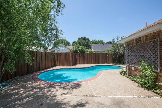 3909commonwealth-flowermound-tx-realestate-forsale-pool-1